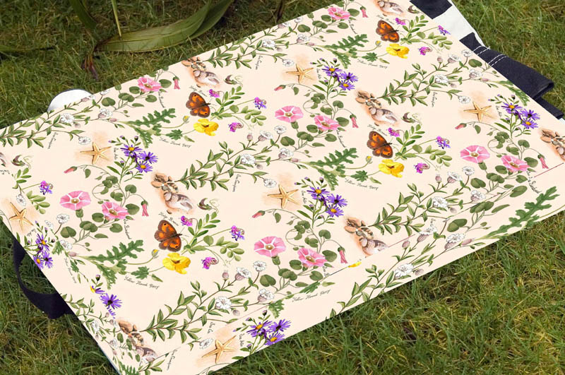 Kneeler Pad - Coastal Flowers Design